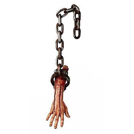 Abgehackter Arm in Ketten Halloween Deko