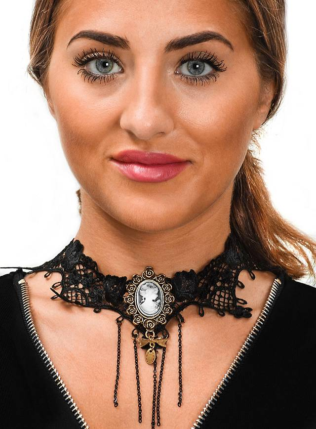 Gothic necklace with brooch