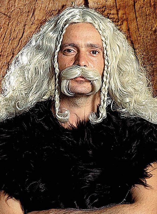 Kelte Bart mit Perücke