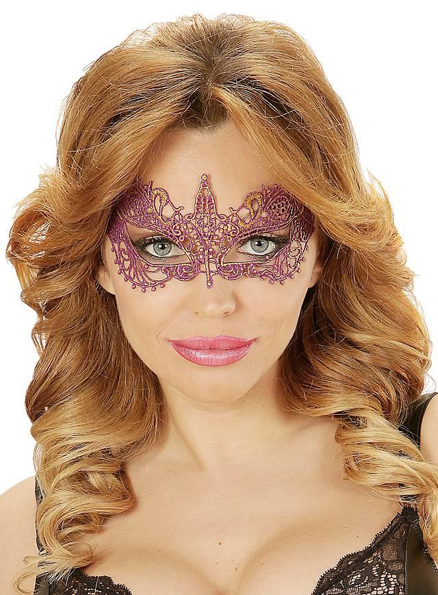 Masque en dentelle violet
