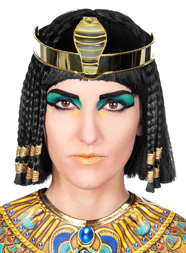 biographical essay on cleopatra Cleopatra's biography throughout her life, cleopatra faced many hardships, betrayal, blissful times, adultery, and trails which lead to a very unkind death cleopatra's family had ruled.