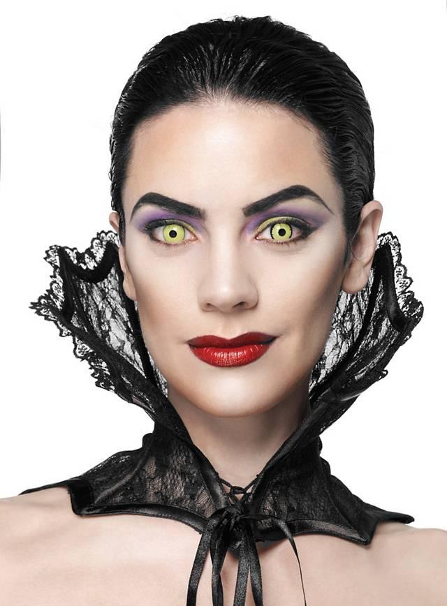 Spitzenkragen Vampir