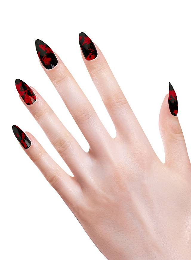 Stiletto Fingernägel Blutflecken