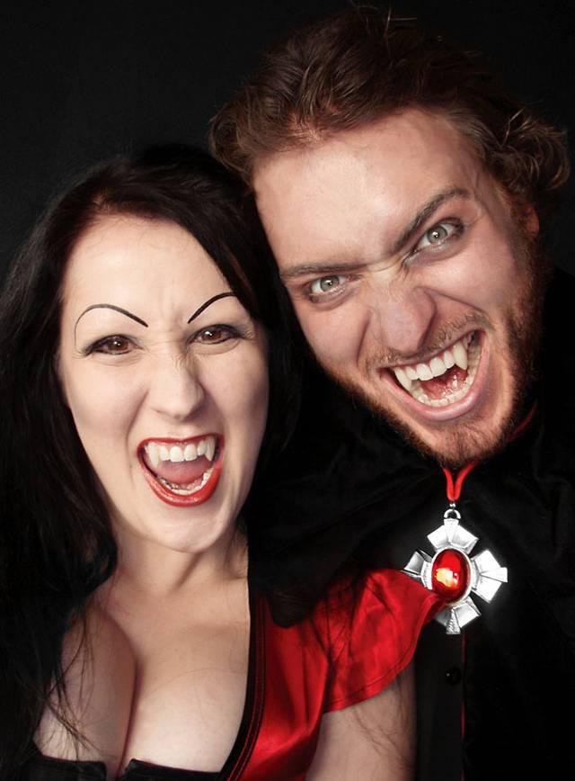 Vampirzähne lang