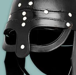 Helme aus echtem Leder und in ansprechenden Designs für das Liverollenspiel im LARP Shop von maskworld.com bequem und sicher online kaufen.