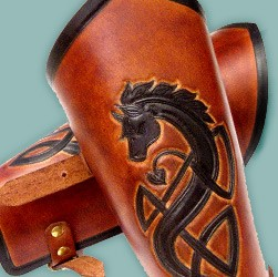 Buy LARP bracers & vambraces made of genuine leather, handcrafted in Berlin, in many fantasy or history-based designs, conveniently and securely online.