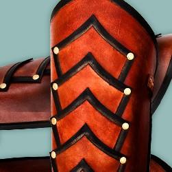 Handgefertigte Beinschienen aus echtem Rüstleder für das Liverollenspiel in vielen Farben, spannenden Designs & erstklassiger Qualität!