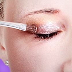 Glitter make-up: Buy glitter powder & gel glitter