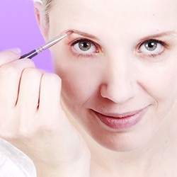 Make-up Accessories: Make-up Tools & Skin Care