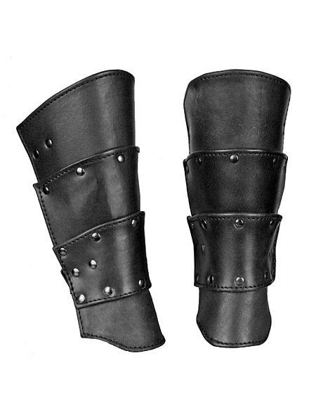 Bras d'armure de guerrier noirs