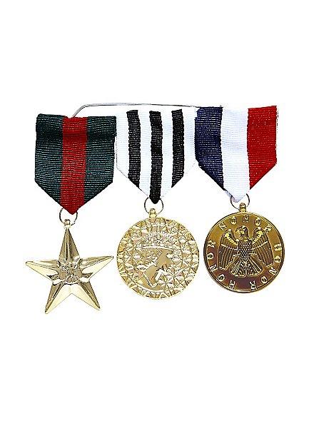 Ehrenmedaillen an Ordensspange