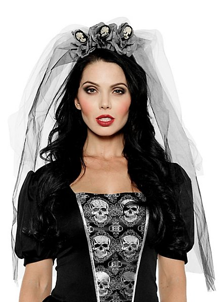 Veil with skeleton brooches grey