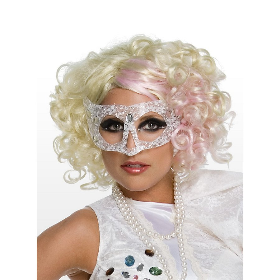 Lady Gaga mit pinken Strähnchen Perücke