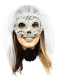 Catrina mask with white veil