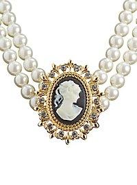 Collier de perles avec camée