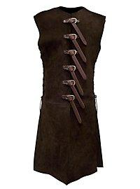 Long gilet sans manches en cuir noir avec des boucles