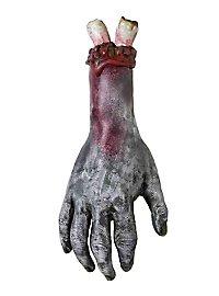 Main de zombie arrachée