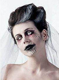 Maquillage de femme fantomatique
