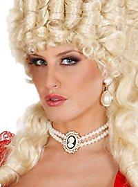 Perlenkette mit Schmuck-Kamee