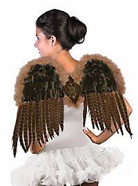Raubvogel-Flügel mit Federn