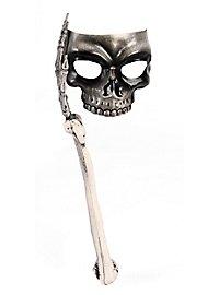 Schädelmaske mit Skelettarm